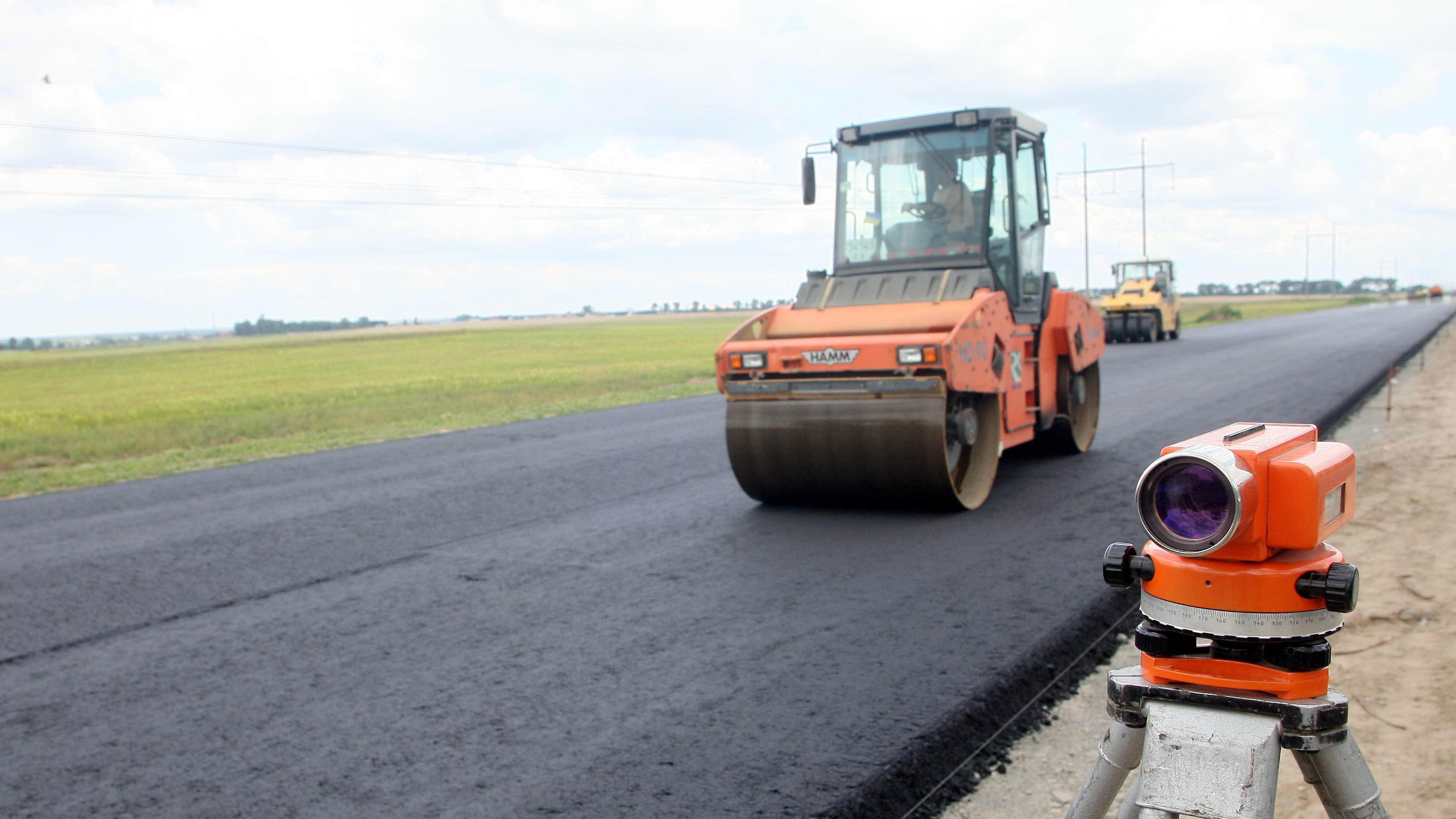 Прем'єр-міністр повідомив про ремонт міжнародної траси, що проходить Франківщиною (відеофакт)